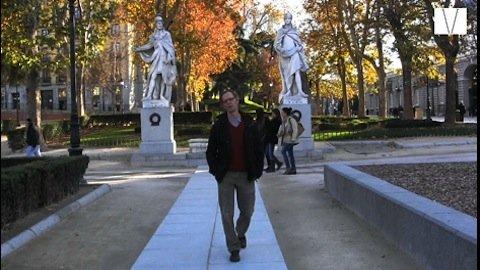 O guia de turismo brasileiro Roberto Antunes, mostra Madri no Canal Londres.