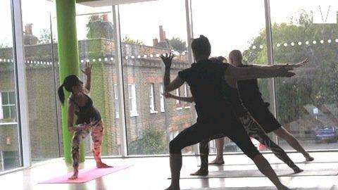aula de yoga em londres