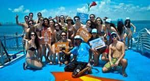 Estudantes e agente de viagem durante viagem a Cancun (Foto: C.I.)