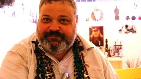 Rogério Piasecki, pai de santo do Terreiro do Pai Maneco