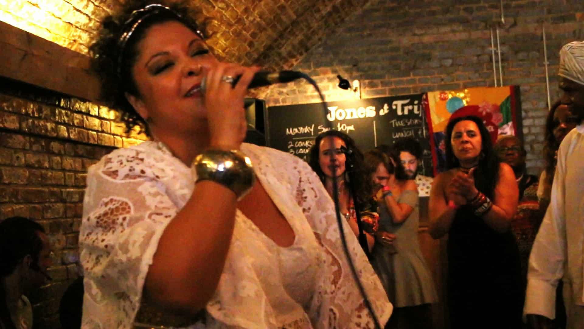 Fabiana Cozza em Londres