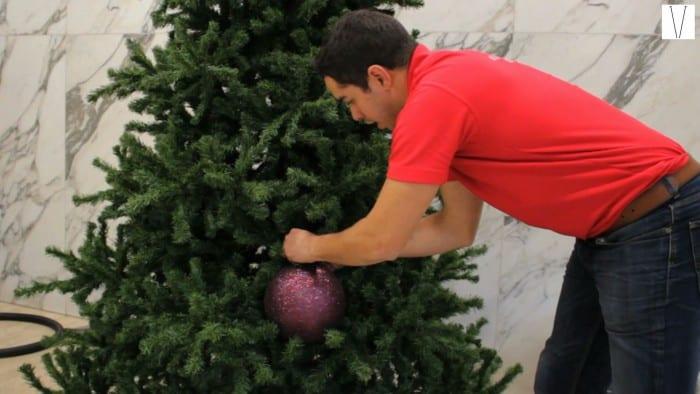 a arte de decorar árvore de natal