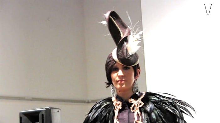 desfile da coleção de chapéus de maria carneiro de mendonça