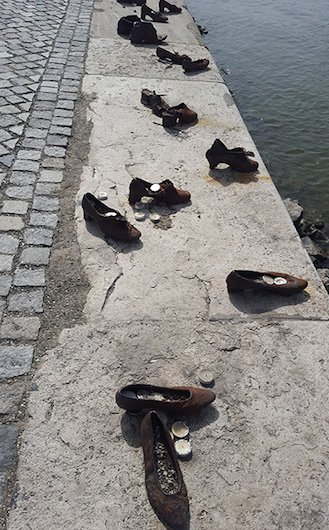 monumento dos sapatos em budapeste