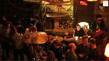 ruin bars na noite de budapeste