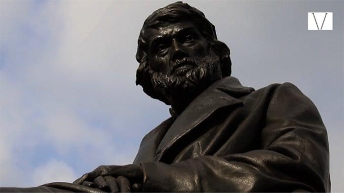 escultura de Thomas Carlyle em Cheyne Walk