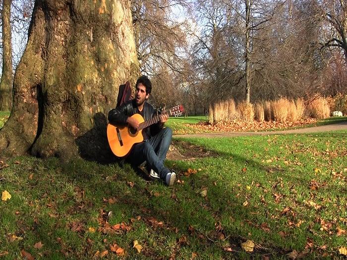TEd Simões gravando no St James Park