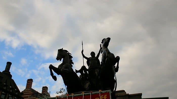 estátua da rainha boudica