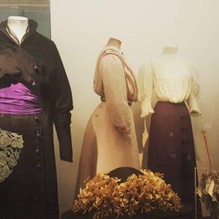 um museu pra quem curte historia da moda va victoriandalbertmuseumhellip
