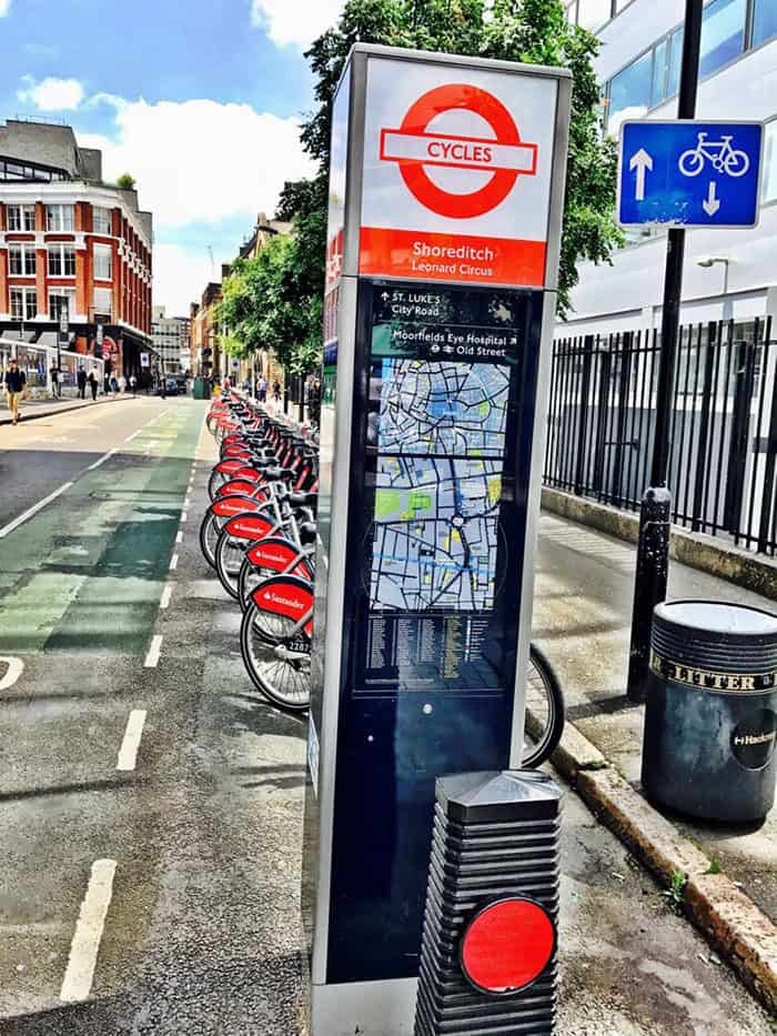 Estação de bicicletas em Shoreditch