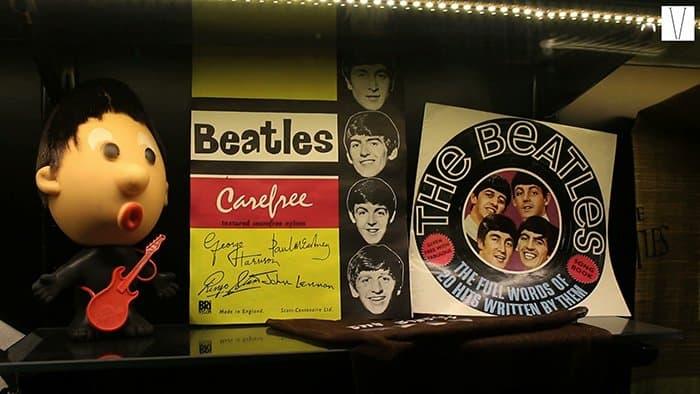 display dos beatles no museu das marcas