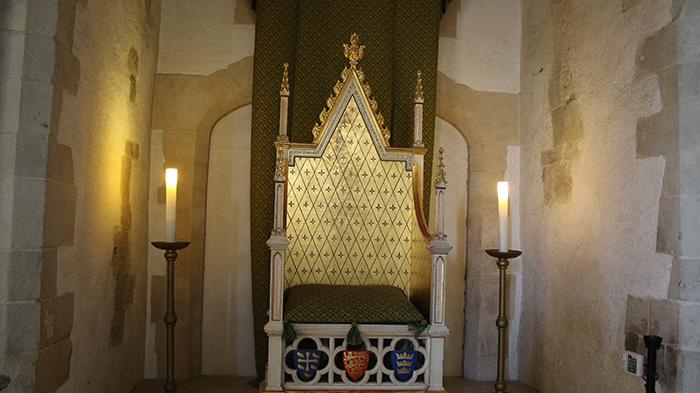 trono no palácio medieval