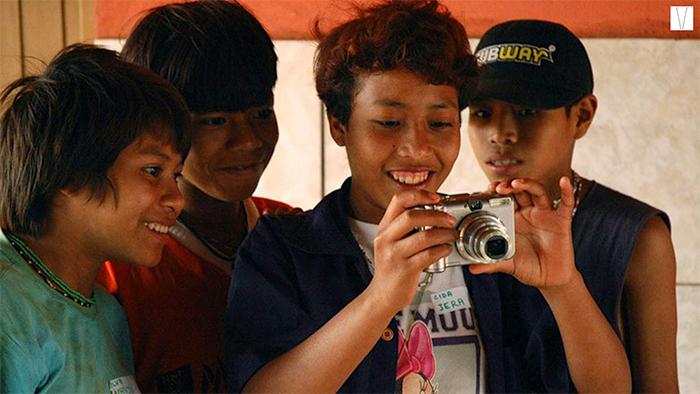 meninos da tribo xavante
