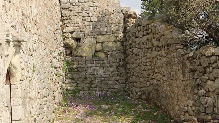 Ruínas de igreja
